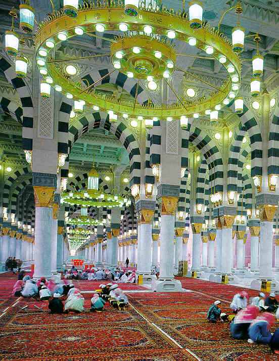 Beautiful heart catching inner view of masjid-e-nabvi